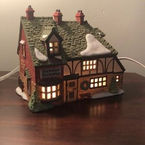 Department 56 Nicholas Nickleby Cottage Christmas